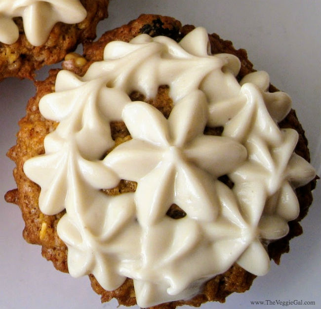 Vegan Carrot Cake Muffins with Cashew Cream