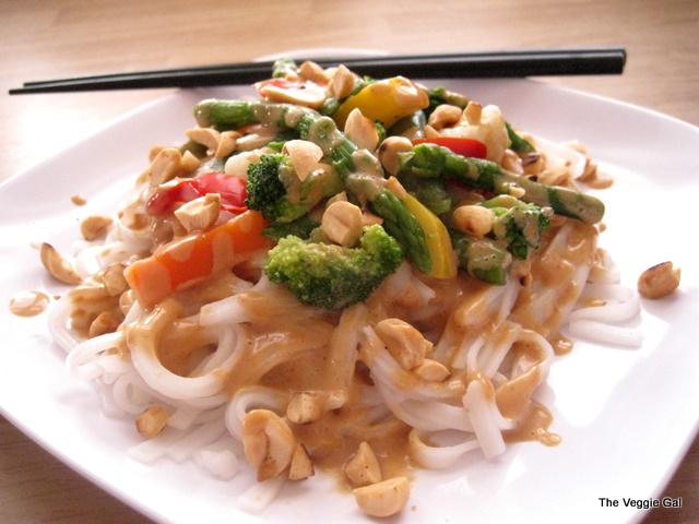 Rice Noodles w-Spicy Peanut Sauce